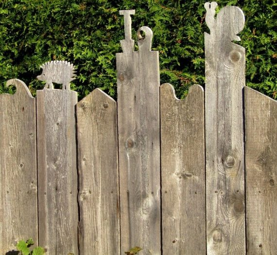 Deciding Whether to Stain or Seal Your Fence